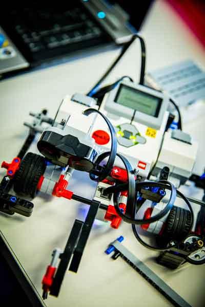 mindstorm robot lego