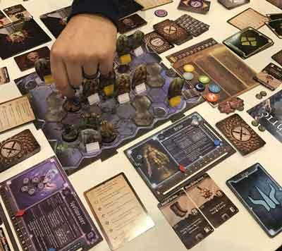 gloomhaven gioco da tavolo