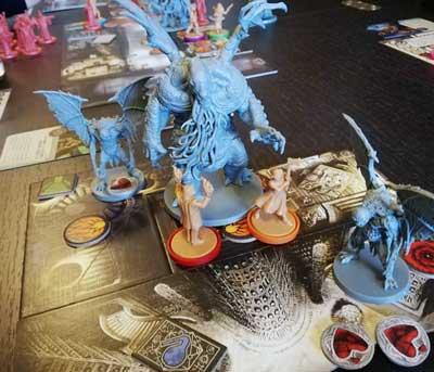 Cthulhu death may die miniature